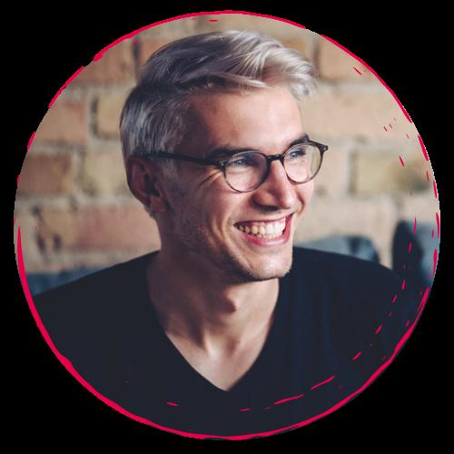Julian Drachenberg lächelnd - rundes Fotos