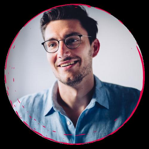 Jacob Drachenberg lächelt - rundes Bild